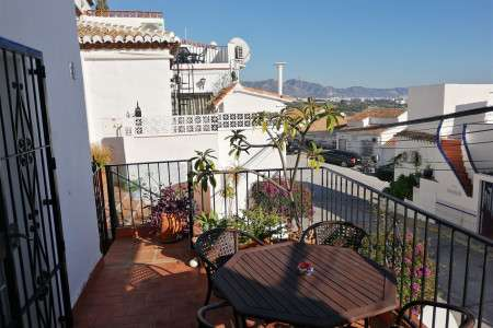 Villa 2 bedroom air-conditioned Holiday home villa overlooks playazo beach