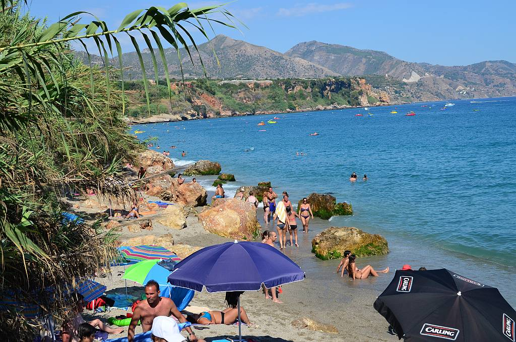 Property rental Income Nerja browse book and pay