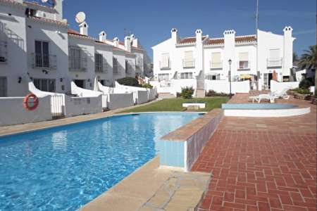 Town house bajamar Nerja near the popular beach Burriana