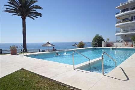 Acapulco playa apartments Nerja fantastic swimming pool