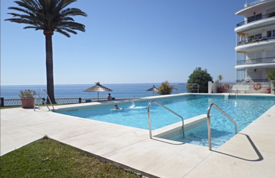 Acapulco playa apartments Nerja fantastic swimming pool