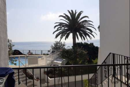 2 bedroom apartment Nerja next to carabeillo beach