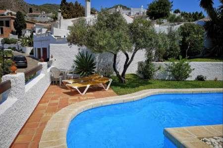 Villa Naricha Capistrano Village with private pool and barbecue