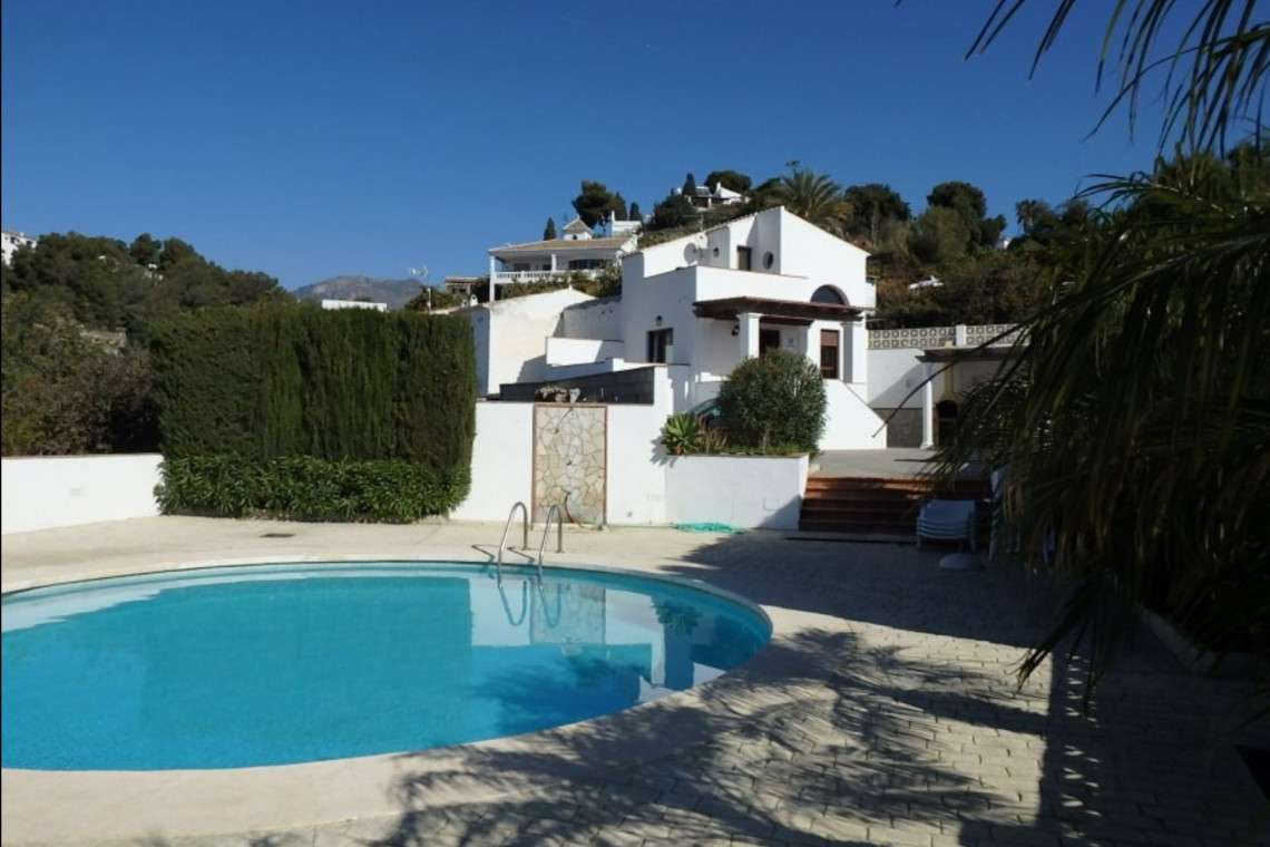 2 bedroom cortijo and local guide