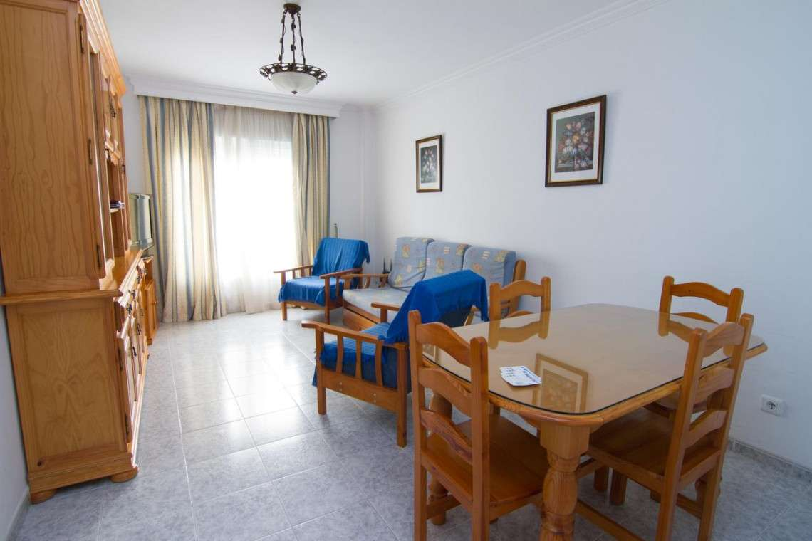 ground floor 2 bedroom with a rooftop communal pool