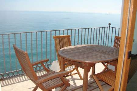 Apartment Calle Carabeo holday home with amazing ocean views.
