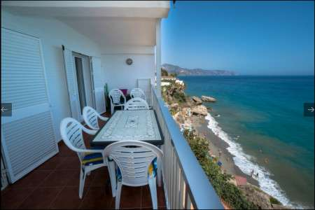 three bedroomed apartment Carabeo