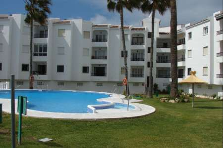 Apartamento las palmeras. Two bedroom ground floor apartment