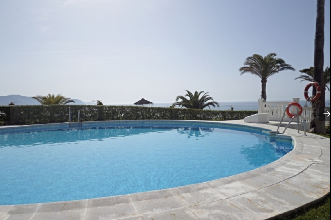 One bedroom holiday apartment Nerja close to many restaurants
