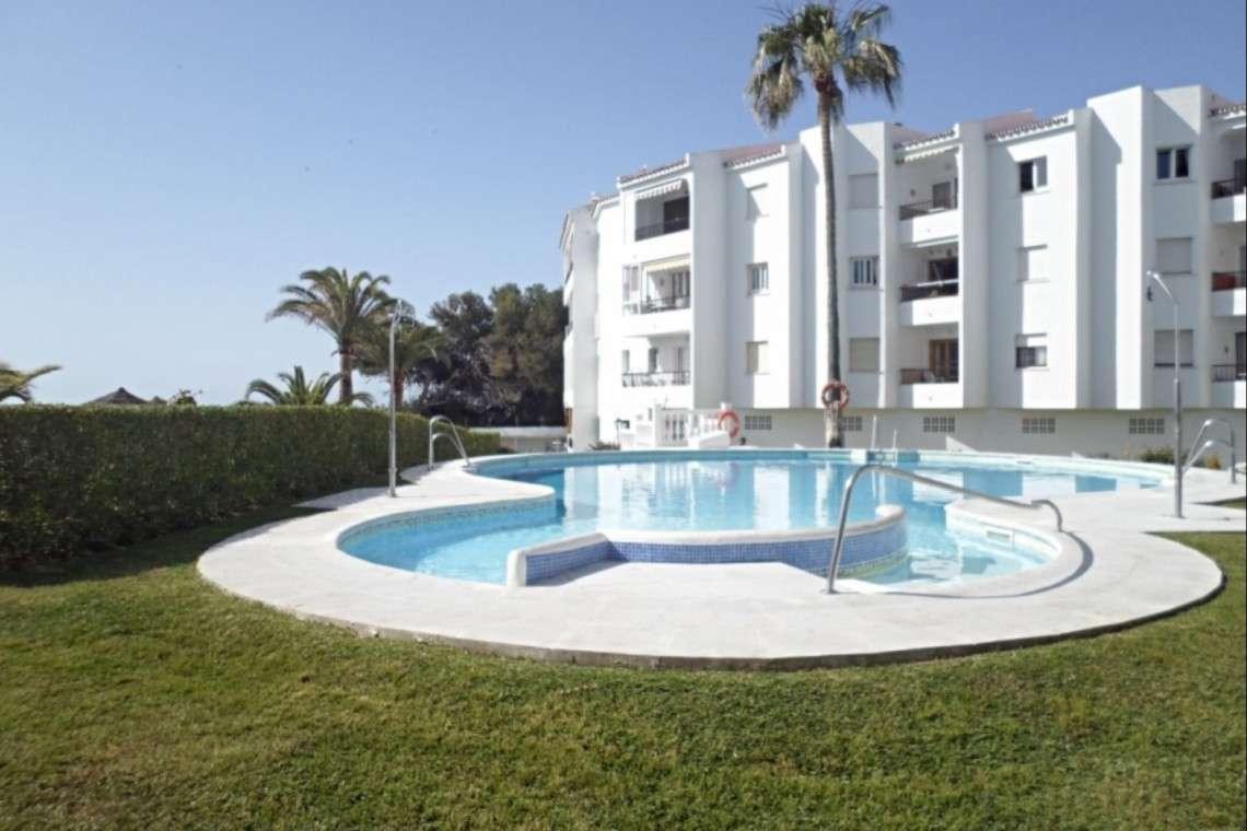 beach apartments Las Palmeros front line apartments Nerja