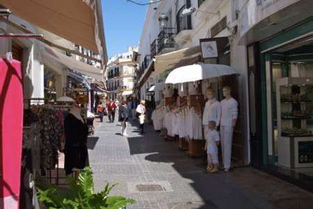 shops in nerja